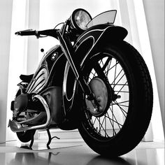 1934 BMW R7 | Classic | Vintage | Art Deco | Gorgeous Although the R7 was only a prototype and never went into production, it is one of the most important, innovative and visually stunning motorcycles...