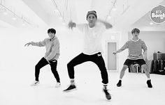 •my favorite part of jhopes dance in the 3J performance•