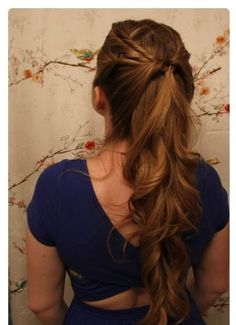 Margaery's Famous Half Ponytail - 11 Game of Thrones Hairstyles