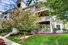 Just Listed by Eric Pearson in Leesburg, Virginia!    Sun-filled 2 bedroom / 2 bathroom condo in Westchester at Stratford with 1167 sq ft . Open floor plan boasts gorgeous hardwood floors, ceiling fans, and gourmet kitchen featuring beautiful granite countertops and stainless steel appliances. Each bedroom has its own bathroom. Ideal commuter location and incredible community amenities make this the perfect place to live!!