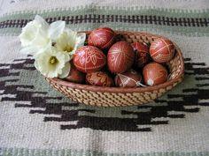 írott tojások (készítette: Kókainé Vincze Éva,           fotó : Tóth Gyöngyi)