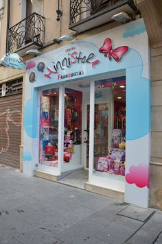 Candy Shop, Mother And Child, Toy Store, Store Design, Boutique, Interior Design, Toys, Children, Shopping