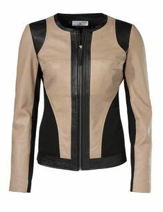 Кожаная куртка, песочная Versace Jacket, Winter Stil, Foto Fashion, Get Dressed, Motorcycle Jacket, Sims, Winter Fashion, Jackets For Women, Leather Jacket