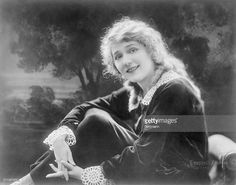 Mary Pickford Photos – Pictures of Mary Pickford | Getty Images