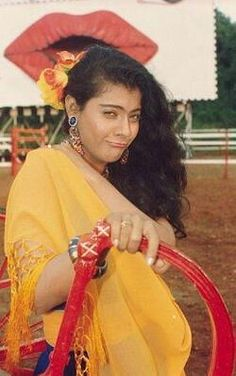 My Wife Photos, Bollywood Photos, Vintage Bollywood, Indian Movies, Beauty Queens, Bollywood Actress, Indian Actresses, Evergreen, Actors