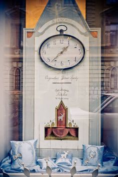 Jelení šperky - Plesová výloha / 2015 Clock, Antiques, Wall, Home Decor, Watch, Antiquities, Antique, Decoration Home, Room Decor