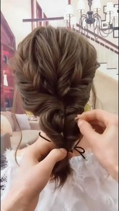 Easy Hairstyles For Long Hair, Up Hairstyles, Pretty Hairstyles, Step Hairstyle, Hairstyle Ideas, Hairstyle Tutorials, Curly Hair Easy Updo, Easy Wedding Hairstyles, Casual Updos For Medium Hair