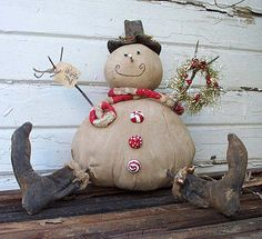 snowman/winter/primitive-like the use of peppermint candies for embellishment