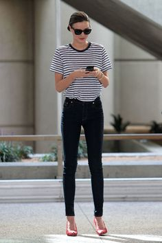 Street Style Miranda Kerr; striped shirt; sunglasses; black jeans; pink heels