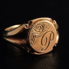 Calling all 'P's!! We have just acquired a Victorian gold signet ring with 'P' engraved and very nice detailing Email info@wharfedaleantiques.com for details #pat #paul #percy #polly #pam #penny #goldring #showmeyourrings #ringsofinstagram #ringsoftheday #ringbearer