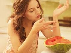 Image discovered by Find images and videos about beautiful, summer and food on We Heart It - the app to get lost in what you love. Celebrity Pictures, Girl Pictures, Life Is Beautiful, Beautiful People, Watermelon Girl, Spanish Actress, Film Base, Cute Girl Pic, Girl Photography Poses