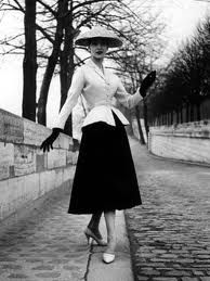love this...the black & white image, the glamorous style...LOVE