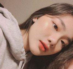 Insta ~ k__nhi - Fotos Sola Pretty Korean Girls, Cute Korean Girl, Asian Girl, Korean Makeup Look, Asian Makeup, Korean Natural Makeup, Korean Aesthetic, Aesthetic Girl, Ulzzang Makeup