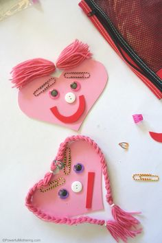 emotions heart busy bag for toddlers and preschool #emotions #preschool #valentinesday