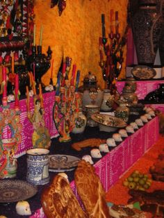Mexico: Day of the Dead (ofrendas at Museo Dolores Olmedo)
