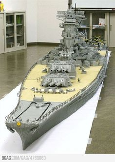Funny pictures about Lego Battleship. Oh, and cool pics about Lego Battleship. Also, Lego Battleship photos. Lego Ww2, Construction Lego, Van Lego, Lego Sculptures, Lego Ship, Amazing Lego Creations, Lego Worlds, Lego Design, Design Poster