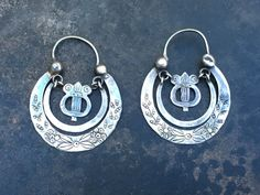 Vintage earrings from Guatemala shimmering silver by ANTICANTIK