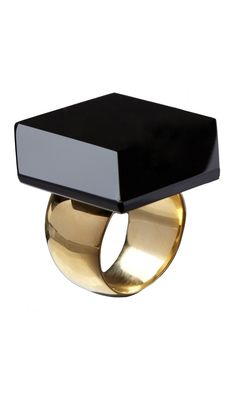 Onyx Ring - Contemporary jewellery using cut slices of polished black onyx. The ring is set onto a wide gold plated Sterling silver band. Made by Wouters & Hendrix in Belgium. Contemporary Jewellery, Modern Jewelry, Jewelry Art, Jewelry Gifts, Jewelry Accessories, Jewelry Design, Gold Jewellery, Silver Jewelry, Trendy Fashion Jewelry
