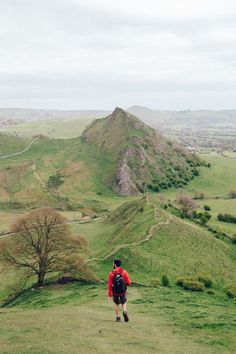 Chrome Hill and Parkhouse Hill, Peak District, Derbyshire, England. Landscape Photography Tips, Scenic Photography, Landscape Photos, Aerial Photography, Night Photography, Peak District England, Yorkshire Dales, Yorkshire England, English Countryside
