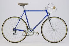 Speedbicycles - ROAD BIKES SINCE 1900 - virtual bicycle museum - price guide for road bicycles Road Bikes, Cycling Bikes, Road Cycling, Retro Bicycle, Vintage Bicycles, Vintage Racing, Bike Life, Cyclocross Bikes, Classroom Projects