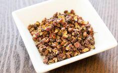 花椒 // 花椒というスパイスは、中国の山椒(サンショウ)のことで、カショウとかホァジャオと呼ばれます。四川料理に欠かせないのがこの花椒で、例えば本格的な麻婆豆腐(マーボードウフ)を食べた時に舌がしびれるような感覚がありますが、この花椒の特徴はそのしびれる辛さなのです。