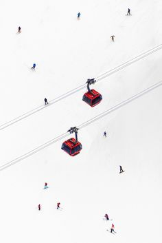 Peak to Peak Gondolas Vertical / Gray Malin