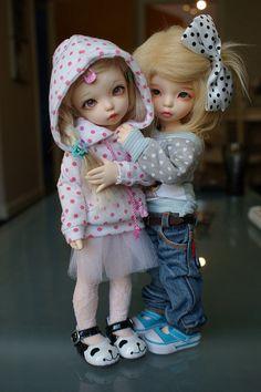 Girls by Pinktezka, via Flickr