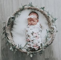 Outstanding baby arrival info are available on our web pages. look at this and you wont be sorry you did. Foto Newborn, Newborn Baby Photos, Newborn Shoot, Newborn Baby Photography, Newborn Pictures, Baby Girl Newborn, Baby Pictures, Children Photography, Photography Props