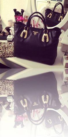 Prada purses and handbags or Prada handbags macys then Check out internet site simply press the highlighted link for additional details : Prada Purses, Prada Handbags, Purses And Handbags, Michael Kors Hamilton, Louis Vuitton Speedy Bag, Lv Bags, Internet, Link, Choices