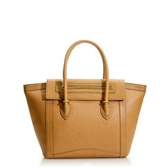 Beautiful. Reminds me of the Celine version that Atlantic-Pacific totes a lot...but for about 1/5 of the price tag.