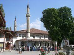 Crimean Tatar Khan Palace in Bakhchisaray #travel #palaces #ukraine