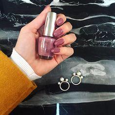 Nails of the week! By @lucinhabarteli  (Color: You sustain me - by OPI) ---------- Unhas da semana! Escolhi esse neutro lindoooo pro Natal!