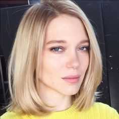 Lea Seydoux in natural makeup. Great hair as well.