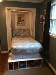 Impressive Adolescent Bed Room Ideas for Little Spaces - You could still produce an incredible retreat for your teenager no matter the dimension of their bed room. These teen bed room concepts for small areas should fit you as well as your teen - and also Bed In Closet, Master Bedroom Closet, Small Room Bedroom, Small Rooms, Garage Bedroom, Bedroom Wardrobe, Dream Bedroom, Master Suite, Small Spaces