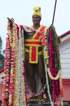 King Kamehameha Day Parade is always beautiful to see. The many long leis on the King Kamehameha statue is a sight to see.