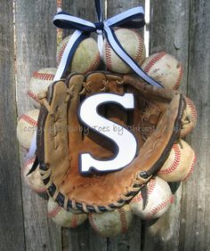 Baseball Love Wreath - With Glove and Letter