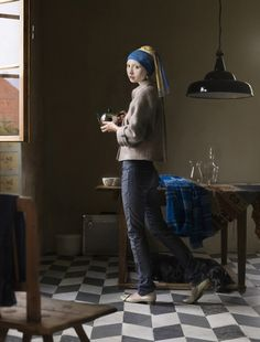 One of her digital painting projects takes classic Renaissance paintings (such as Girl with a Pearl Earring by Johannes Vermeer) and transfers them into modern situations. Johannes Vermeer, Classic Portraits, Classic Paintings, Famous Portraits, Modern Portraits, Contemporary Artists, Contemporary Style, Contemporary Photographs, Contemporary Clothing