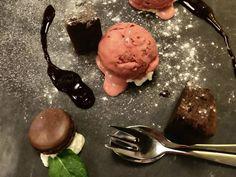 Uit eten bij Landal met het gezin Ice Cream, Desserts, Food, No Churn Ice Cream, Tailgate Desserts, Deserts, Icecream Craft, Meals, Dessert