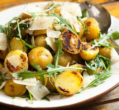 Grillattu perunasalaatti | Reseptit | Anna.fi Vegetable Recipes, Potato Salad, Salad Recipes, Salads, Food And Drink, Appetizers, Potatoes, Snacks, Vegetables