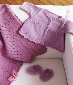 Les tricots de famili. MISURE da 1 a 3 mesi , e  12 mesi. punti legaccio -tutti i ferri a diritto