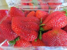 HOW TO MAKE YOUR FRESH STRAWBERRIES LAST LONGER