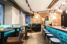 Ribbed Chairs for Leo HILLINGER Wineshop & Bar Munich » Dark Horse
