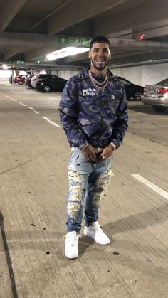 Anuel Aa Wallpaper, Estilo Tomboy, Spanish Men, Hood Girls, Latin Artists, Cute Celebrities, Baby Daddy, Urban Outfits, Sexy Ass