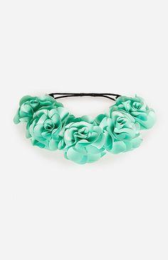 Bouquet of Roses Headpiece in Seafoam | DAILYLOOK