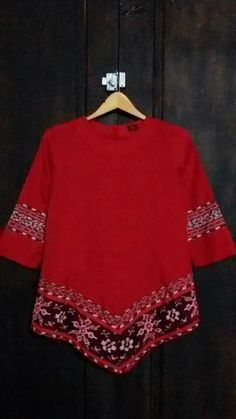Blouse Blouse Batik, Batik Dress, Batik Fashion, Hijab Fashion, African Fashion Dresses, African Dress, Mode Batik, Big Size Fashion, Moda Casual