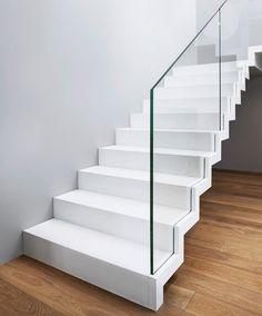 ST885 Białe schody dywanowe / ST885 White Zigzag Stairs