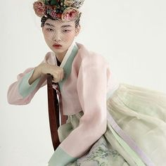 Korean traditional dress. #Hanbok #orientals