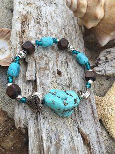 Beachy boho style bracelet with 1 large turquoise colored