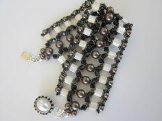▶ Tila Bead Bracelet with SW Pearl 4mm and 6mm . Браслет из бисера Тила и Сваровских жемчуга 4мм и 6мм - YouTube