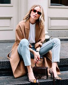 5 Tips to Discover Your Personal Style - Street Style Outfits Casual Street Style, Casual Chic, Looks Street Style, Style Casual, Looks Style, Stylish Winter Outfits, Casual Outfits, Fashion Outfits, Mantel Styling